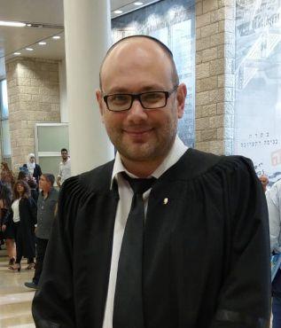 עורך דין סנדר למברג